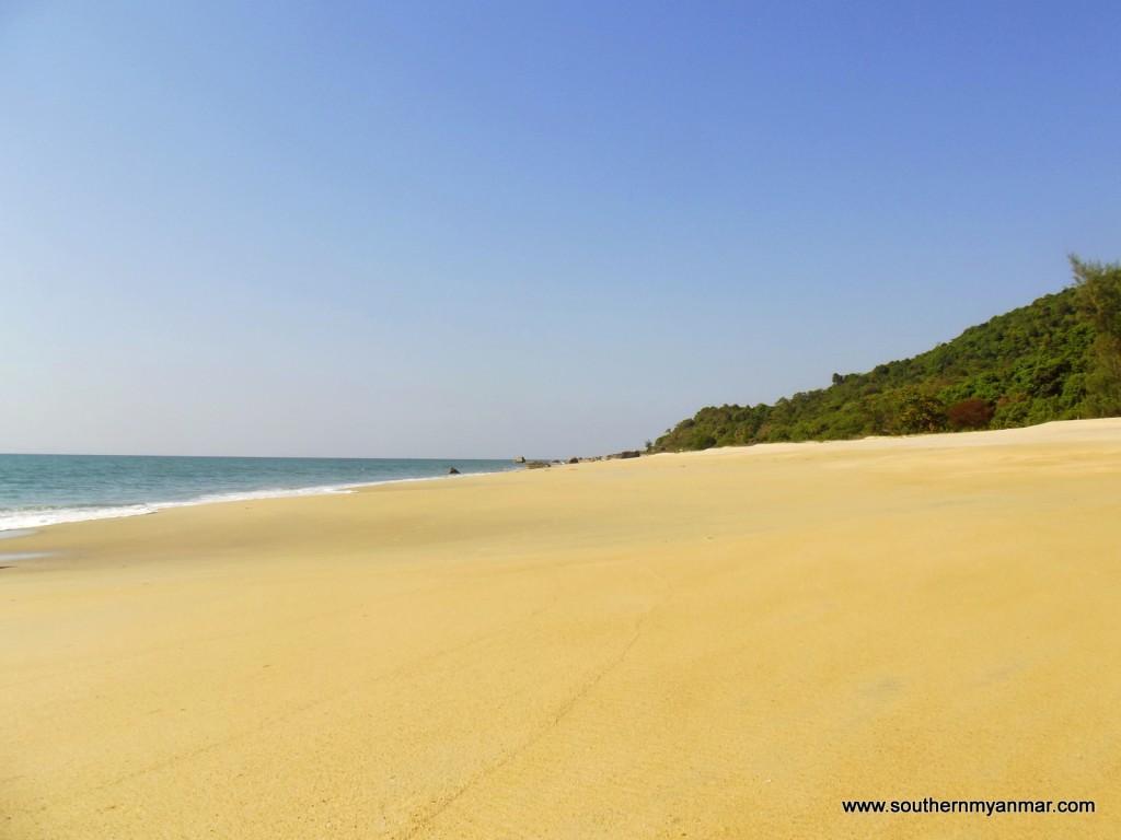 DSCF4877 1024x768 Myanmars Best Beaches