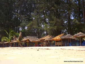 Mangmagan beach huts